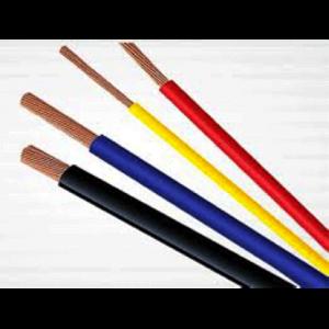 Dây cáp điện CADIVI CV-1,5 mm2 có cấu tạo dồm một lớp vỏ nhựa bên ngoài làm bằng PVC cao cấp để bảo vệ dòng điện không lan truyền ra ngoài, cách điện tốt, tạo được độ an toàn khi dẫn điện. Lớp lõi làm bằng đồng bên trong tạo được độ mềm dẻo tốt, không bị gãy khi gấp khúc nhiều lần, có khả năng dẫn điện tốt, hoạt động không bị tắc nghẽn, trì hoãn gây nhiều hiện tượng xấu.