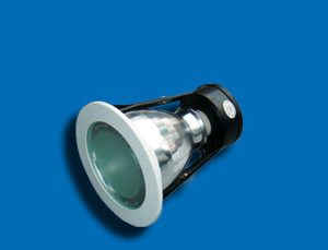 Bóng đèn downlight âm trần có kính Paragon PRDH70E7 là sự tinh tế, đẳng cấp và làm nổi bật không gian là đặc điểm mà sở hữu. Vì thế trong lựa chọn chiếu sáng, người dùng luôn nhắm đến để sử dụng để trang trí nội thất