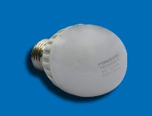 Bóng đèn Led Bulb 9W PBCA965E27L Paragon có những thông số tuyệt hảo mà mọi sản phẩm Led đều mơ ước, nếu đem so sánh với các dòng sản phẩm cao cấp khác thì Paragon chắc chắn không thua kém bất kỳ dòng sản phẩm này